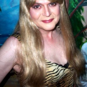 aardvarklori   Tranny Ladies - connecting transgender ladies, partners, admirers & friends worldwide!